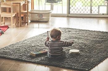 واژه شناسی زبان و آهنگ کلام کودک