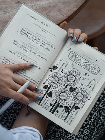 درس چهارم لغات فیلم های زبان انگلیسی Doodling خط خطی