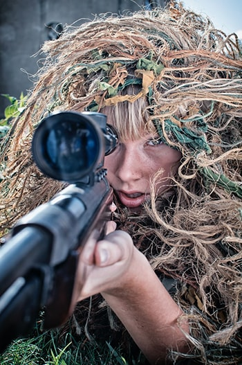درس دوازدهم لغات فیلم های زبان انگلیسی Pick off شلیک کردن