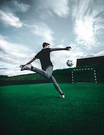 درس هفتم لغات فوتبال انگلیسی شوت در چهاچوب دروازه shot on goal